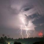 erupsi gunung kelud