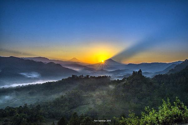 Sunrise di bukit PI